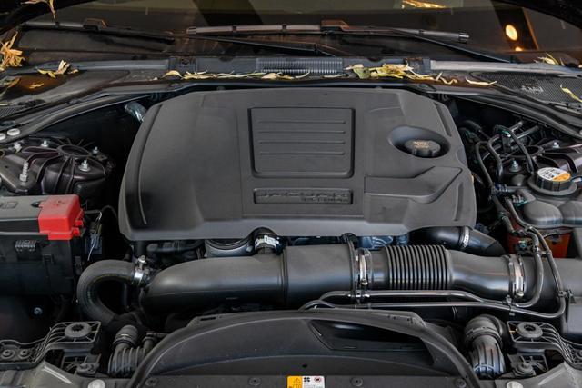 别再纠结S90和CT6了!这台豪车操控堪比宝马,不到30万