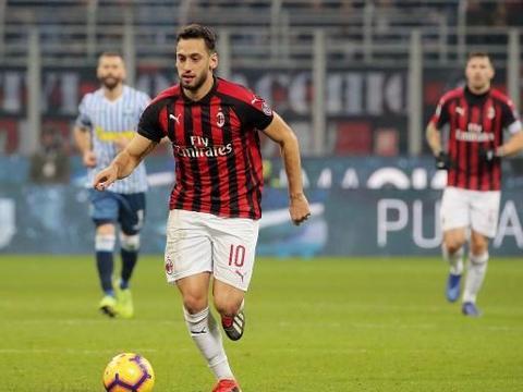 恰尔汉奥卢:新赛季将是属于我的赛季,我希望留在米兰