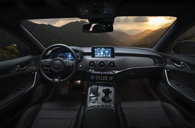 配备2.0T发动机/外观运动 2020款起亚Stinger斯汀格图片曝光