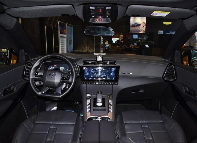 纯正法系车DS7入门价21万,1.6T就215匹+8AT,国六B排放