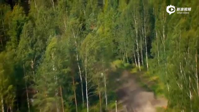 视频:Kamaz T4达喀尔卡车 VS 大众Polo R WRC
