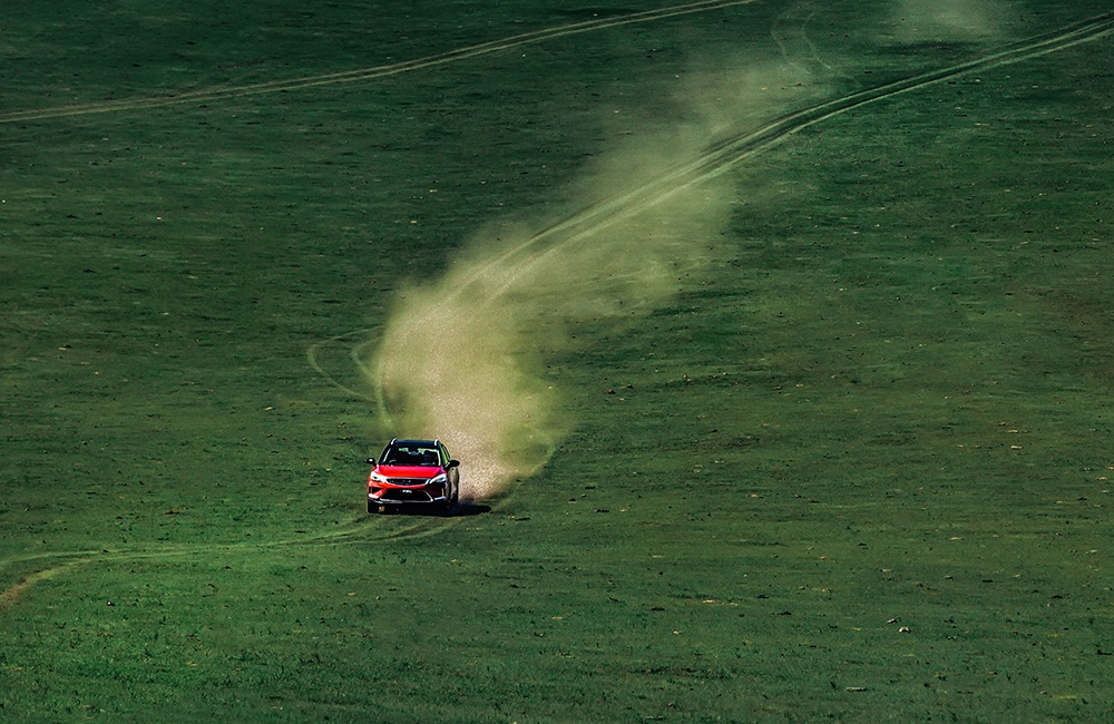 试驾新帝豪GS:来到大草原,我才是最野的那匹马