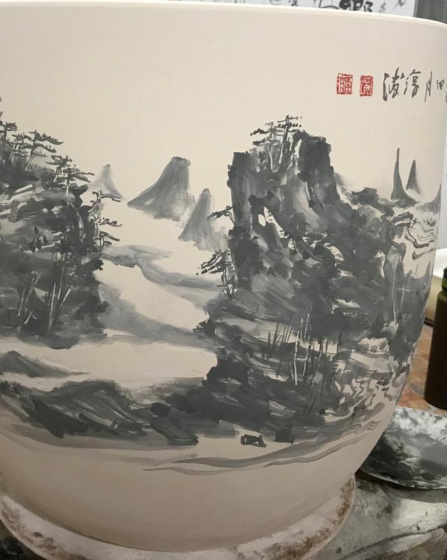 画家黄淳波:泼釉写意青花,瓷器上的轻歌曼舞
