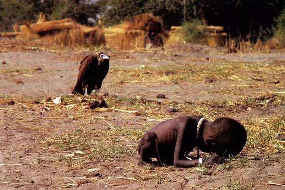【一周影像资讯】《饥饿的苏丹》拍摄者凯文·卡特逝世25年;2019LensCulture街头摄影大赛获奖公布