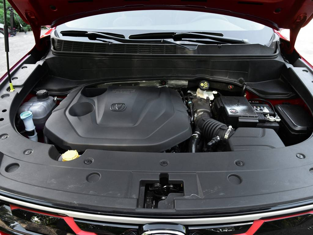 三缸1.5T吉利缤越VS四缸1.4T长安CS35 Plus,你怎么看?