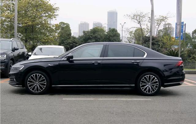 动力完胜奥迪A6L,现跌至27万,买高性价比中大型豪车推荐这款