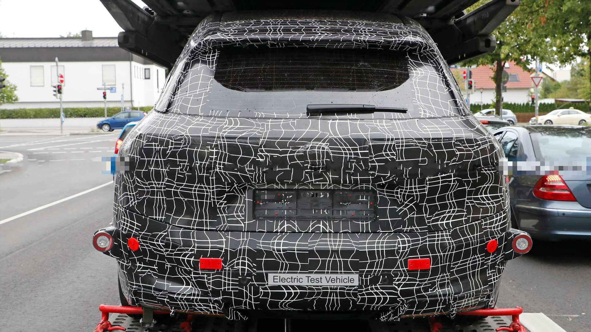 特斯拉估价暴跌后再遇外敌,宝马新电动SUV定位似X5