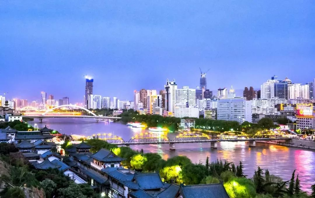 郑州→南昌 推荐景点:蓬莱阁,登州博物馆,吕祖殿,长岛,月牙湾公园, 庙