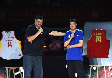 进入NBA中国第一人,军运会火炬手王治郅,曾是男篮的强心剂
