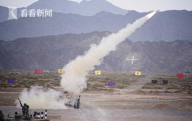中国陆军在新疆库尔勒展示现役主力装备|库尔勒|新疆