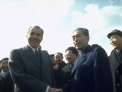 尼克松访华时,毛主席为何在午宴上添了3道菜?背后大有深意