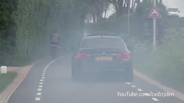 视频:经典永不磨灭!奔驰C63 AMG W204 Coupé V8
