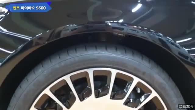 视频:2019奔驰迈巴赫S560 4 matic,真是霸气测漏的车型啊!