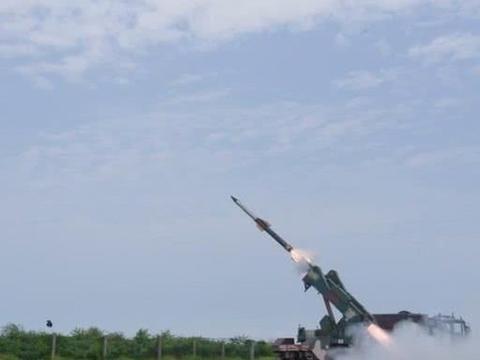 印巴关系紧张之际 印度成功试射快速反应地对空导弹
