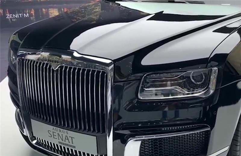 又一款神似劳斯莱斯的车,专为普京打造,马力607匹,年产仅150台
