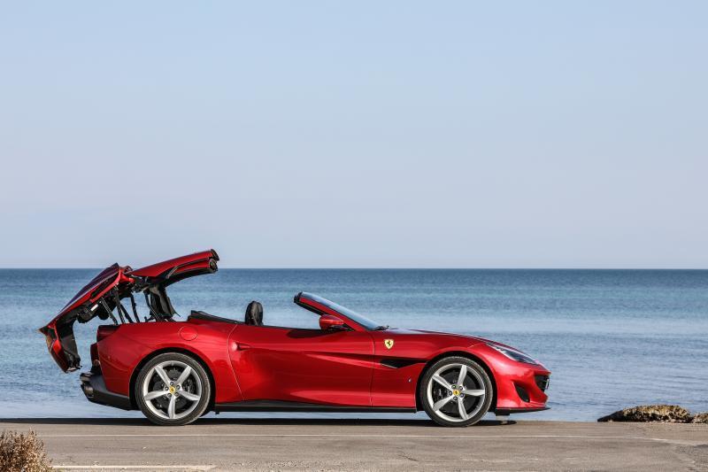 法拉利Portofino 简单易上手的性能跑车!