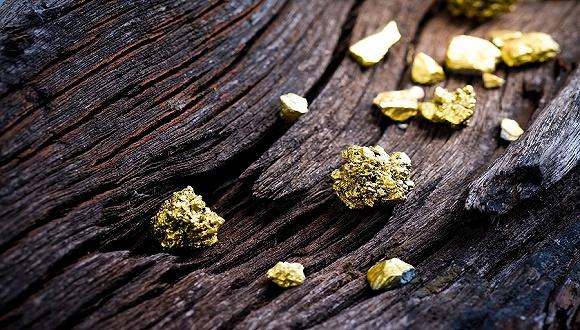 从股票到期货黄金全面开花 金价创六年新高