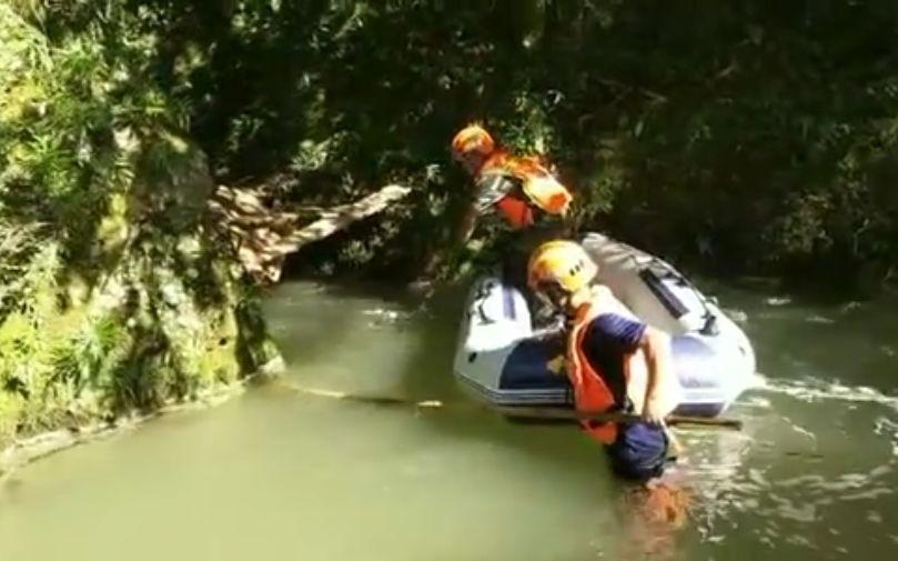 湖北鹤峰躲避峡属未开发景区 当地多次警告勿冒险|景区