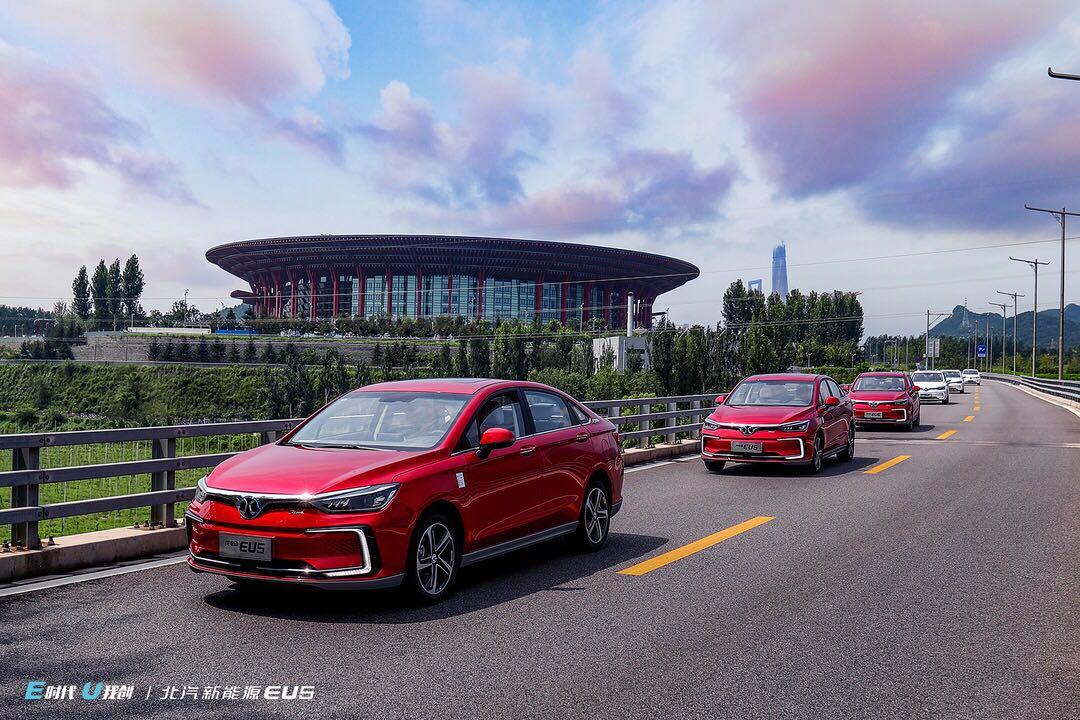 中国卖得最好的电动车,成都车展再推新车,一口气能绕北京跑5圈