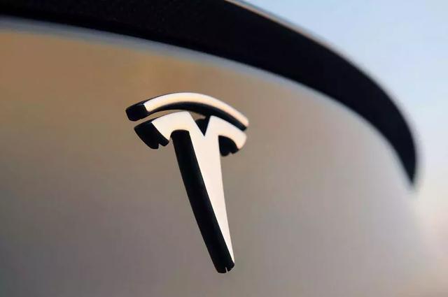 特斯拉的自动驾驶:生命安全诚可贵,为资本皆可抛