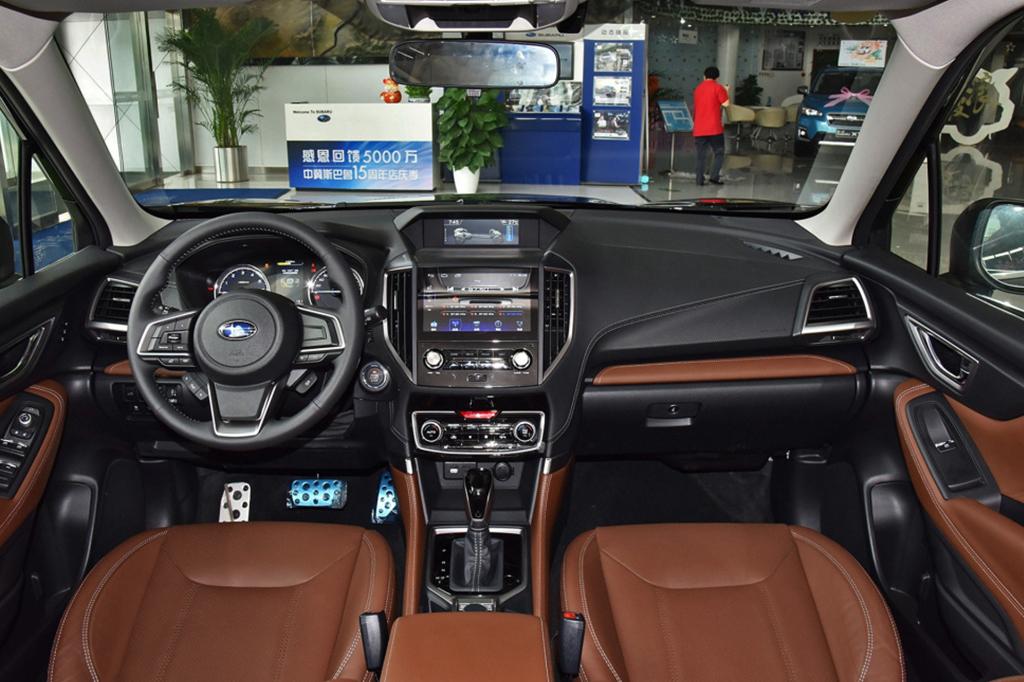 非得买1.5T奔驰C?要面子和操控,懂车的人选这几款进口车