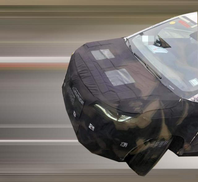 与传祺GM8同级/或搭RX8相同动力 上汽荣威首款MPV谍照曝光