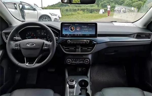 试驾 福克斯ACTIVE:一台大胆尝试叫福克斯的SUV