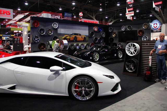 在改装的世界中,除了有平民车型,自然还有价格昂贵的跑车