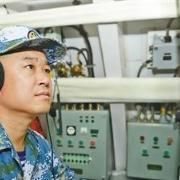 游猎深海的顺风耳 记南部战区海军某基地声纳技师张磊