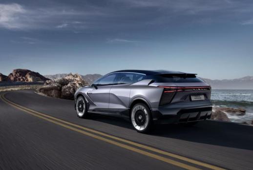 你心中的究极进化版智能汽车 是不是华人运通刚刚发布的这台?