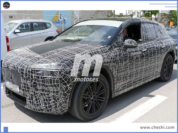 宝马新纯电SUV,配曲面大屏,光看方向盘,以为开的是赛车