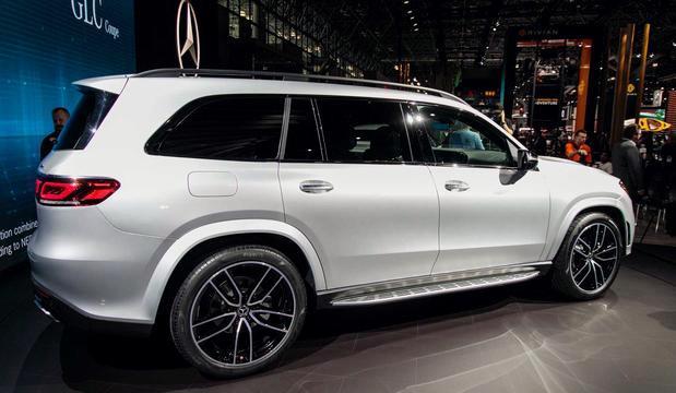 """奔驰又一""""重量级""""SUV亮相,尺寸比宝马X7还大,配3.0T+9AT!"""
