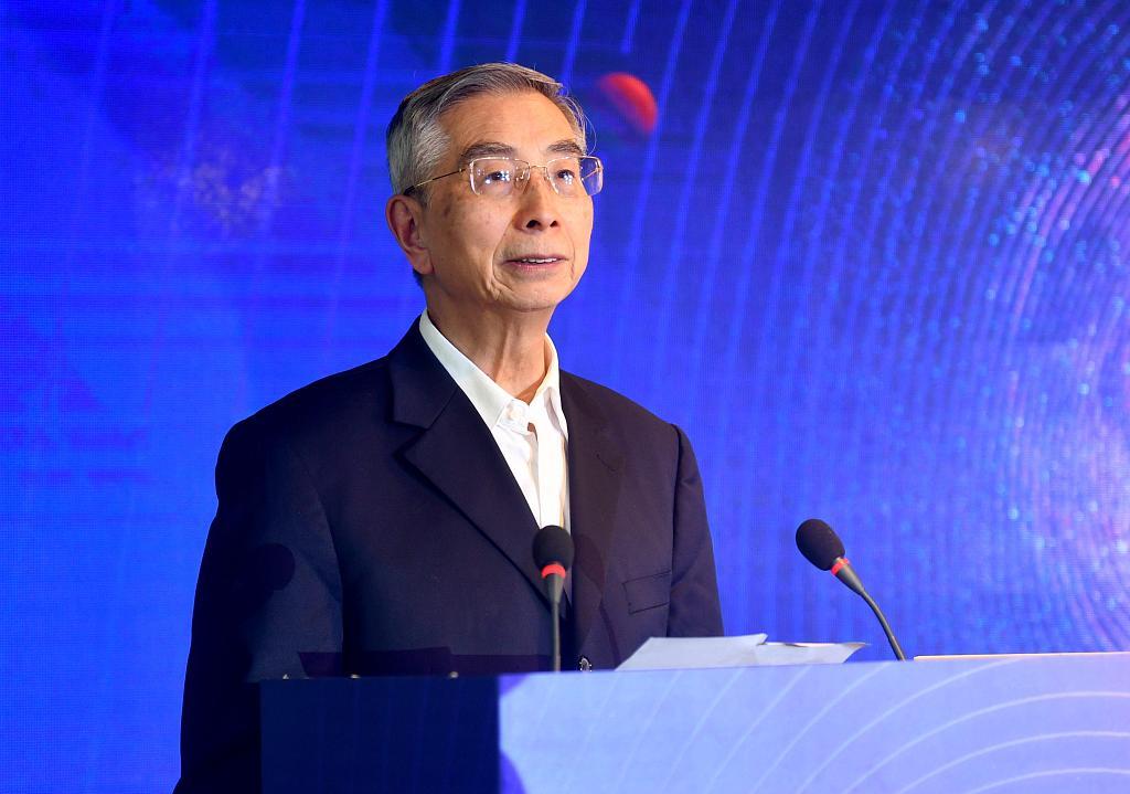 倪光南:关键核心技术要自主 对鸿蒙系统有很大期望
