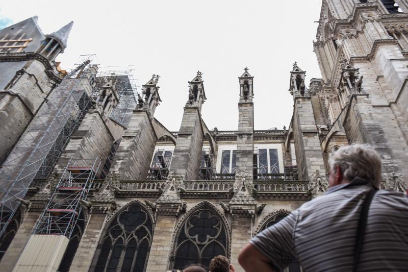 """【看世界】恐慌了!巴黎圣母院污染致""""血铅"""""""
