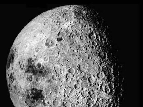 苏联当年在月球背面拍摄的照片 一些怪异现象从未见过
