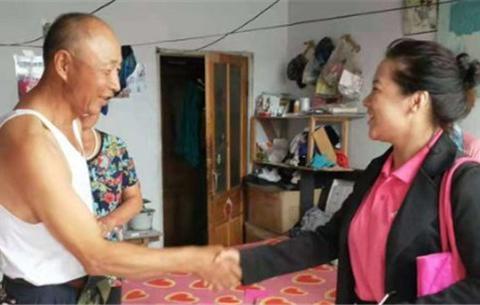吉林镇赉康亦键医疗设备经销处慰问贫困孤寡老人并发放生活用品