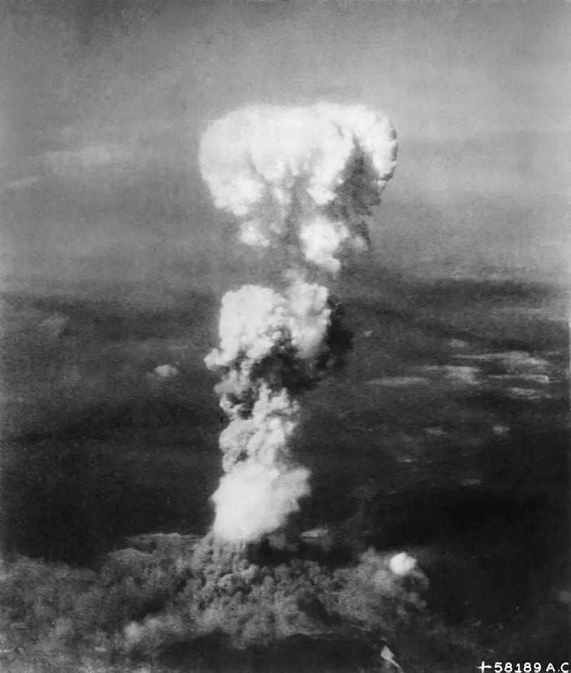 """为什么广岛长崎没变成切尔诺贝利那样的""""鬼城""""?"""
