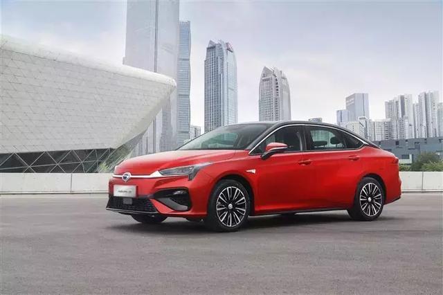 7月新能源车销量环比下降51.3%,北汽EU三连冠,AION S首上榜