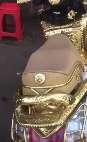 黄金魔托车