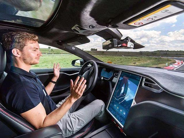 我们离智能汽车还有多远?真没我们想的那么简单