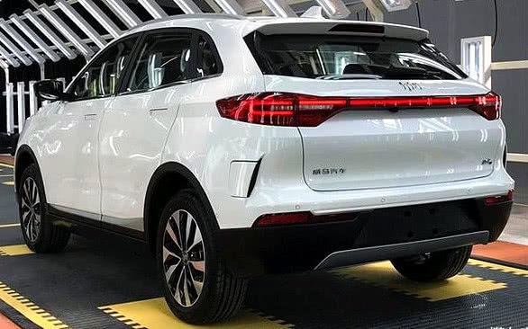 现在连华为也要开始造车?首款SUV已经下线,北京车展预售