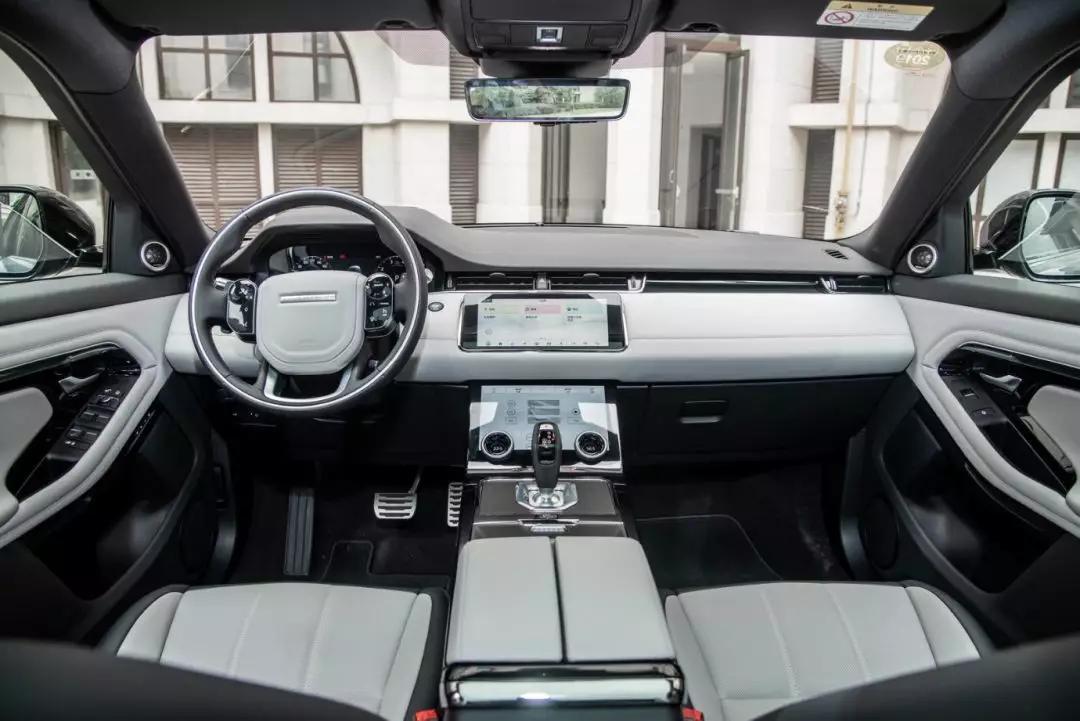 豪华城市SUV里,为什么全新一代路虎揽胜极光最值得选?