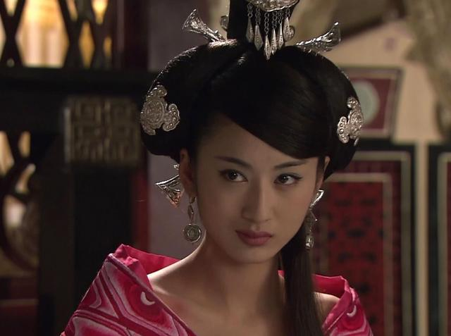 一代妖妃赵合德,与姐姐赵飞燕容貌不相上下,但为何她更加受宠?