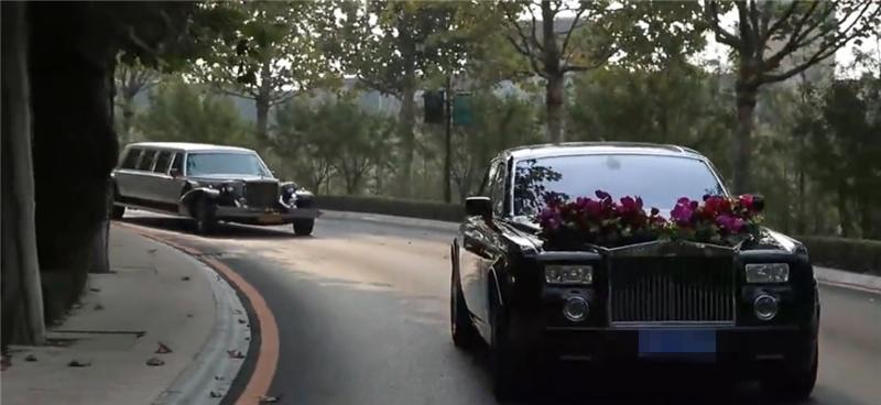 又一位土豪结婚,五星酒店接新娘,890万劳斯莱斯做婚车,惹人羡