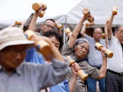 人口老龄化严重养老压力大?此国选择永不退休,持续到生命尽头!