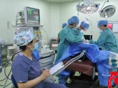一熊猫血产妇突发胎盘早剥 出血2500-3000毫升 结果……