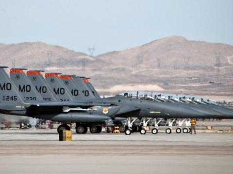美国本土发生一件大事,大批战机紧急回国待命,第一岛链形同虚设