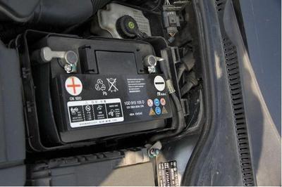 还在吐槽蓄电池寿命这么短?因为你这几个动作毁了电瓶