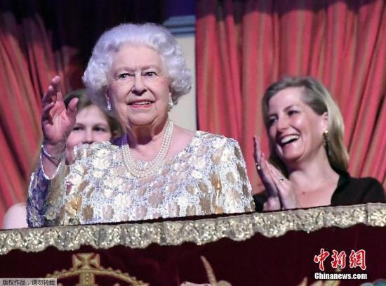 脱欧乱象3年 英王室消息人士:女王对政客很失望|伊丽莎白二世