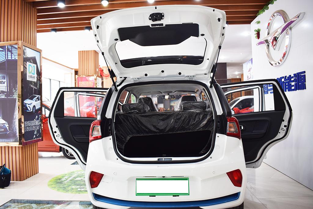 国产最火纯电动汽车,只卖5万多,怪不得比亚迪输给它
